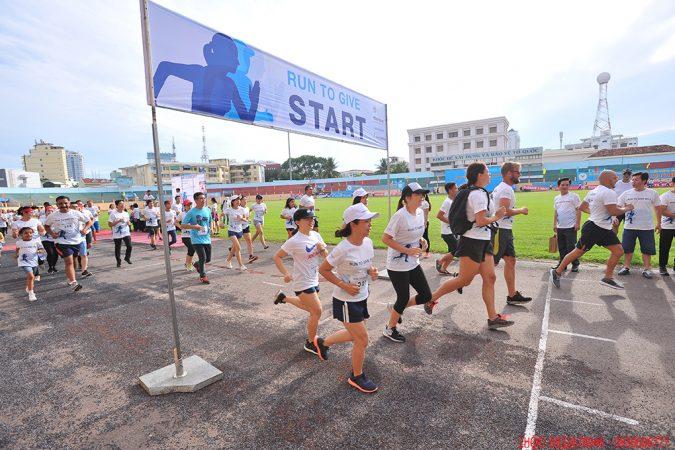 Hơn 3.000 người tham gia chạy bộ gây quỹ phẫu thuật nụ cười Việt Nam