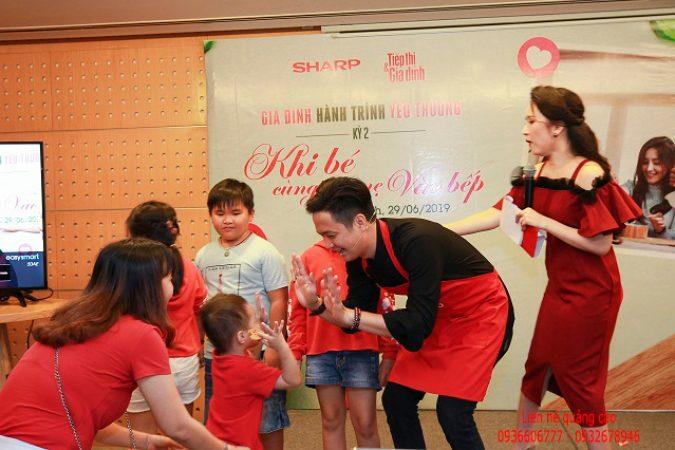"""Workshop """"Khi bé cùng ba mẹ vào bếp"""" thật thú vị với Vua đầu bếp Thanh Cường và gia đình NS Ốc Thanh Vân"""