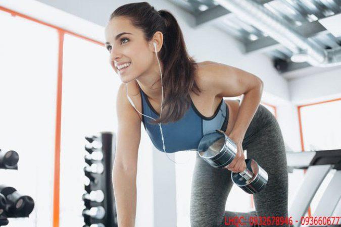 Nghiên cứu nghe nhạc khi tập thể dục giúp ta bớt mệt mỏi