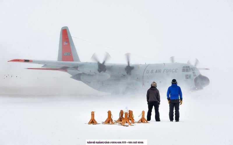 Cuộc sống ở Nam Cực thì... rất cực, nhưng cũng tràn đầy niềm vui và tinh thần lạc quan yêu đời.