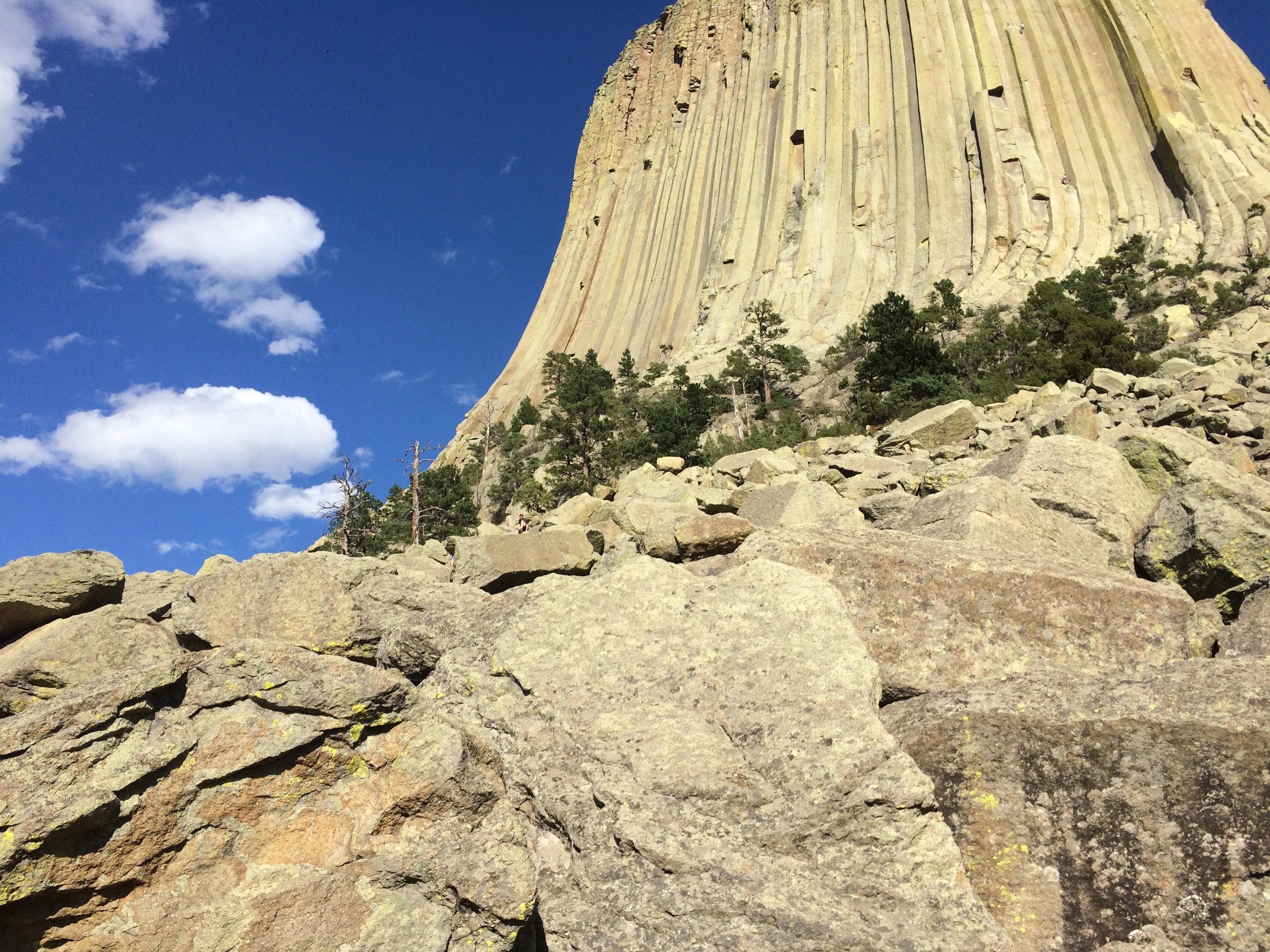 Tháp Quỷ 50 triệu năm tuổi – danh thắng hàng đầu nước Mỹ